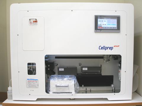 液状化した細胞を全自動で標本を作成する装置